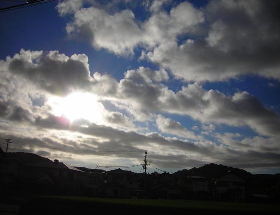 http://awaji-kenji-hiroko.com/swfu/d/auto_0Hr2bn.JPG