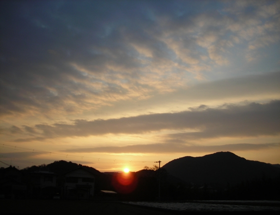 http://awaji-kenji-hiroko.com/swfu/d/auto_txoFld.JPG