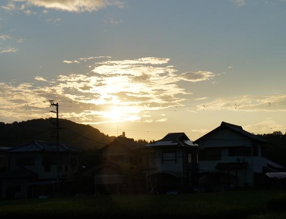 http://awaji-kenji-hiroko.com/swfu/d/s_s_s_s_s_s_s_s_s_s_s_s_s_041_R.JPG